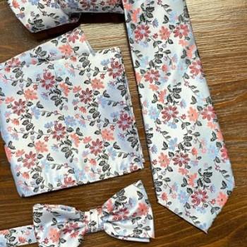 Cravates, nœuds papillon et pochettes